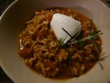 Tomaten-Suppentopf mit etwas anderer Einlage - Rezept