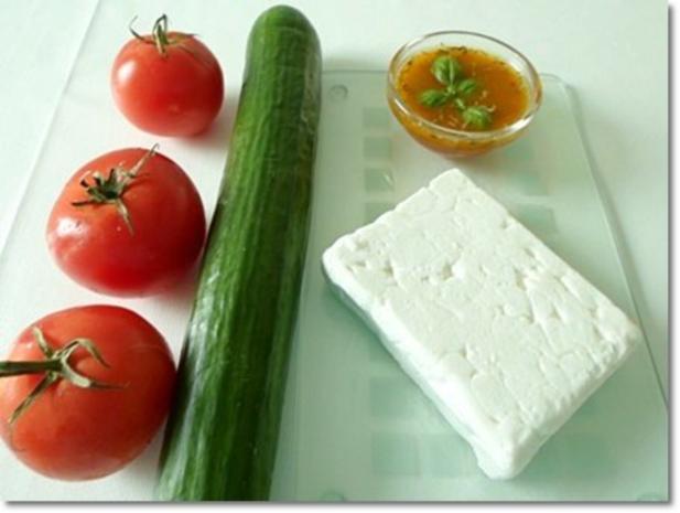 Schafskäse Salat mit Italienischer Kräuter- Vinaigrette nappiert. - Rezept - Bild Nr. 6