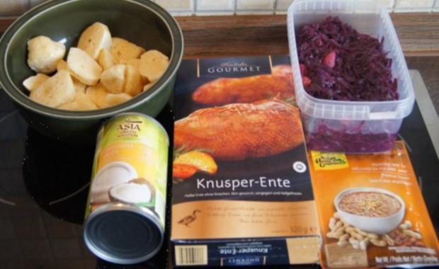 Knusperente mit Gourmet-Rotkohl à la Papa, tschechischen Knödel nach Ivanka - Rezept - Bild Nr. 2
