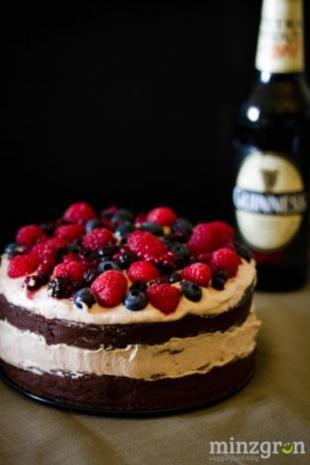Beerenstarkes Schoko-Guinness-Törtchen - Rezept