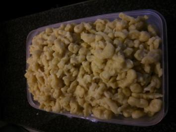 Gelbe Dinkel-Knöpfle mit  Hartweizengrieß - Rezept