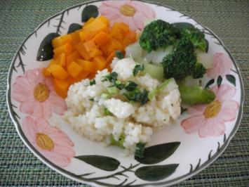 Rezept: Reis mit gewürfeltem Kürbis, dazu Kohlrabi und Broccoli
