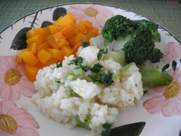 Reis mit gewürfeltem Kürbis, dazu Kohlrabi und Broccoli - Rezept - Bild Nr. 2