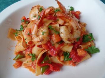 Tomaten-Pasta mit Garnelen - Rezept