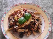 Pasta mit Orangen-Kapern-Sauce und Radicchio - Rezept