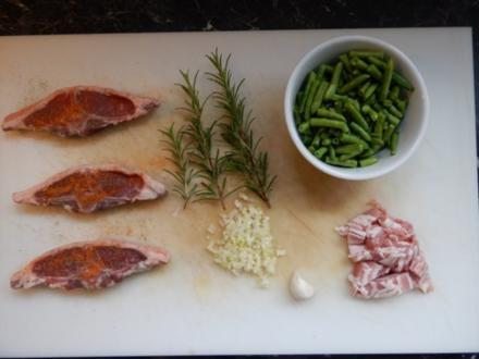 Lammkoteletts mit Bohnen und Speck - Rezept