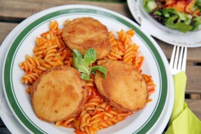 Jägerschnitzel mit Spirelli Nudeln und Tomaten Sauce - Rezept