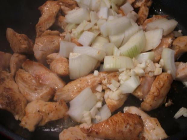 Geflügel: Hähnchen-Geschnetzeltes in Schmorgemüse mit Kräuter-Butter-Reis - Rezept - Bild Nr. 5