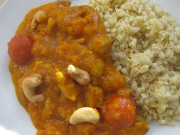 Rezept: Kürbiscurry mit Putenfiletstreifen und Ebly-Reis