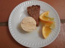 Dekadente Dattel-Nusstarte mit selbstgemachter Roiboos-Orangeneiscreme - Rezept