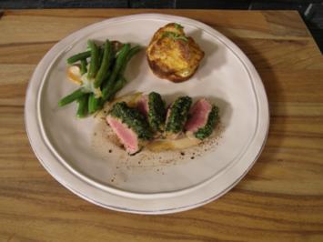 Lammfilet mit Kartoffelgratin und Birnen-Bohnen-Ragout - Rezept