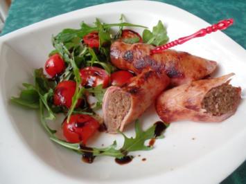 Hackfleisch-Röllchen mit Rucola-Tomaten -Salat - Rezept