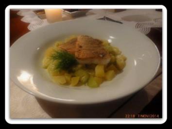 Rezept: Gurken-Kartoffel-Ragout mit kross gebratenem Zanderfilet