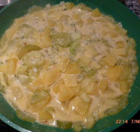 Gurken-Kartoffel-Ragout mit kross gebratenem Zanderfilet - Rezept - Bild Nr. 4