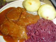 Rinderschnitzel mit Blaukraut und Knödel - Rezept