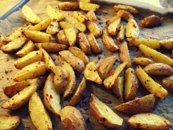 Rezept: Beilage: Gomasio-Kartoffelspalten aus dem Ofen