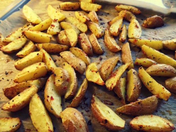 Beilage: Gomasio-Kartoffelspalten aus dem Ofen - Rezept