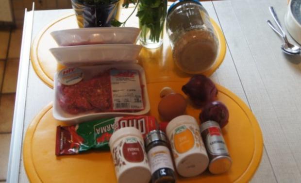 Köfte mit Paprikasauce und Jogurt - Rezept - Bild Nr. 2