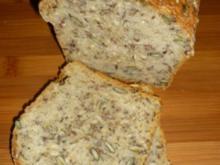 Saftiges Körner-Kastenbrot - Rezept