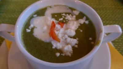 Rezept: Suppen & Eintöpfe :  Spinat - Suppe mit Schafskäse