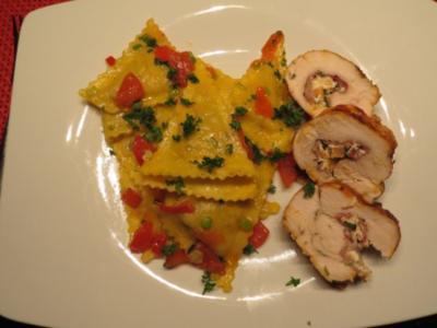 """Hähnchenroulade """"Surf & Turf"""" mit Triangoli und Tomaten-Trüffel-Butter - Rezept"""