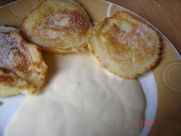 Apfelküchle mit Vanillesoße - Rezept