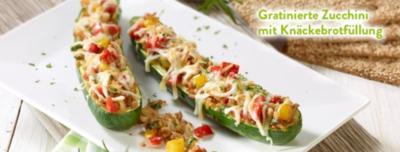Gratinierte Zucchini mit Knäckebrotfüllung - Rezept