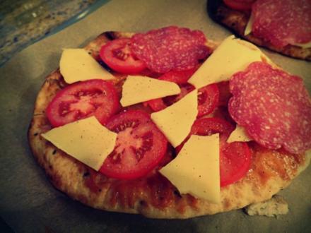 Indische Naan-Pizza - Rezept