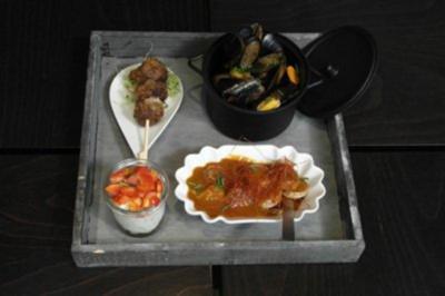 Ruhrpott-Trio (Currywurst-Kartoffelsalat-Muscheln-Frikadellen) - Rezept