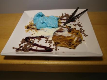 Blaues Pistazieneis und Apfelstrudel - Rezept