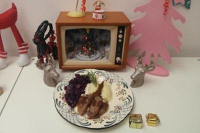 Gänsebraten mit Kartoffelpüree und Apfel-Rotkohl - Rezept