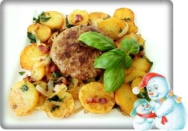 Deftige Bratkartoffeln mit Hacksteaks - Rezept