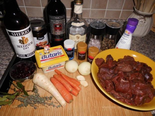 Hirschragout mit Cranberries>> - Rezept - Bild Nr. 2