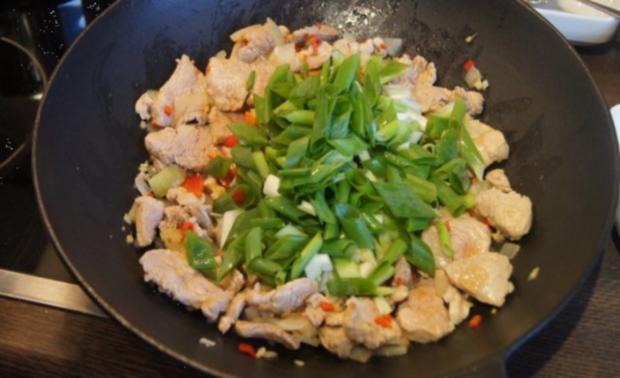 Schweinefilet-Ananas-Wok mit chinesischen Nudeln - Rezept - Bild Nr. 11