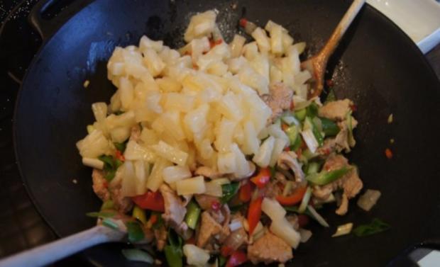 Schweinefilet-Ananas-Wok mit chinesischen Nudeln - Rezept - Bild Nr. 13