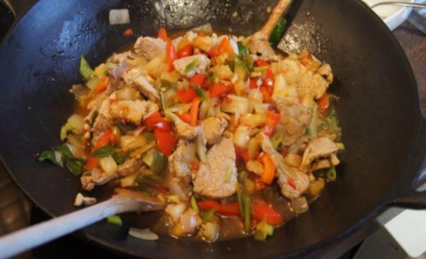 Schweinefilet-Ananas-Wok mit chinesischen Nudeln - Rezept - Bild Nr. 14