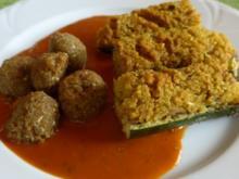 Gefüllte Zucchini - Schiffchen an Tomaten - Kürbis - Soße dazu Grünkernbällchen - Rezept