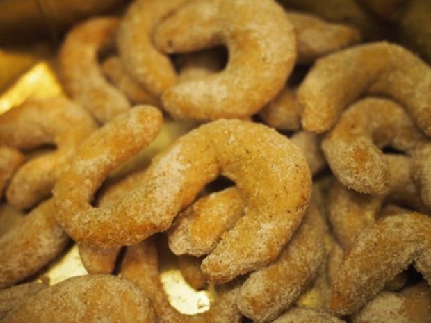 Weihnachtsgebäck: Zucker- Zimtkipferl - Rezept