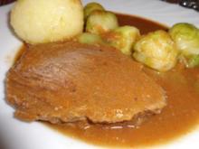 Fleisch, Rind: Rinderbierbraten mit Bier-Chili-Soße an Klößen und Rosenkohl - Rezept