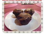 Muffins: Schoko-Mandelmuffins mit Marzipan und Amarettokirschen - Rezept