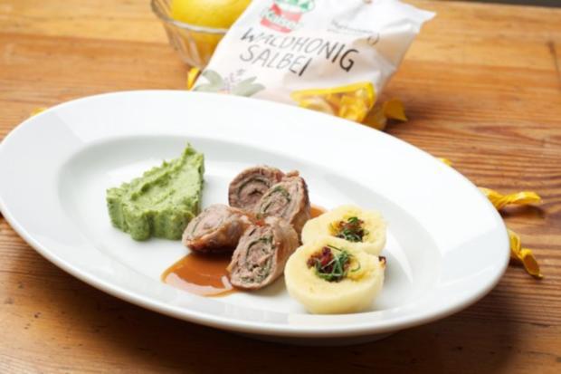 Saltimbocca mit Waldhonig Salbei-Jus  und Kartoffel-Speckknöderl - Rezept