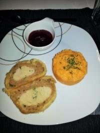 Truthahnpastete mit Süßkartoffelstampf an Cranberrysauce - Rezept