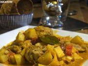 Kartoffel-Curry mit Hähnchenbeinen und Brotchips - Rezept