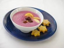 Rotkrautsuppe mit karamellisierten Maronen und Sesam-Sternchen - Rezept