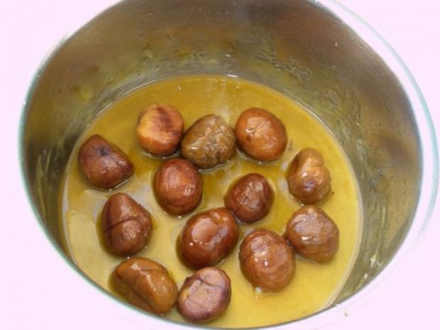Rotkrautsuppe mit karamellisierten Maronen und Sesam-Sternchen - Rezept - Bild Nr. 15