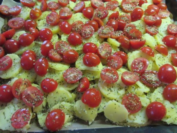 Forelle im Zwiebel-Tomatenbett - Rezept - Bild Nr. 3