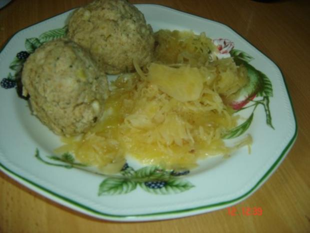 Bratwurstknödel mit Sauerkraut - Rezept