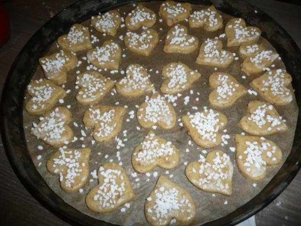 Weihnachtsgebäck : Gefüllte Walnuss -  Herzen ! ! - Rezept - Bild Nr. 5