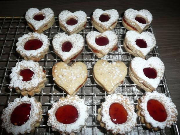 Weihnachtsgebäck : Gefüllte Walnuss -  Herzen ! ! - Rezept