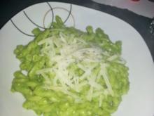 Feldsalat Walnußpesto - Rezept